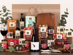 Deck The Halls Hamper with Pheasant Farm Red